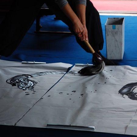 「筆」と「墨」で新たなチャレンジをする、二人の女性