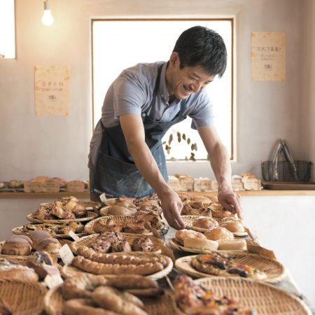 店頭に並ぶパン同士が切磋琢磨するベーカリー「こはく。」