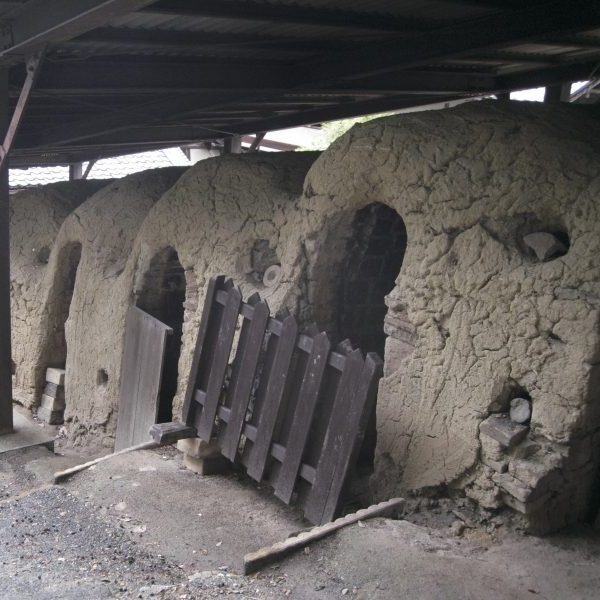 素朴な柄の美しい陶器を世界へ「赤膚山元窯 古瀬堯三」