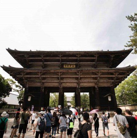 ミケランジェロより3世紀前!リアルな巨像が守る日本最大級の門