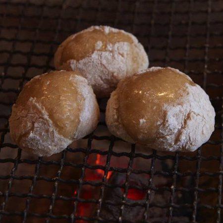 炭火で焼く玄米餅は絶品!身体も喜ぶ精進料理